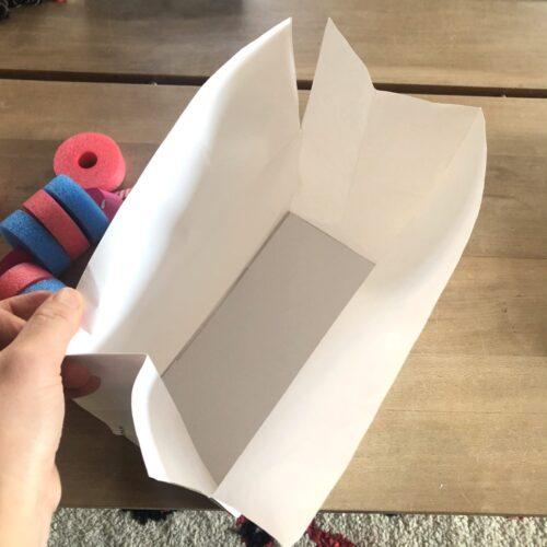 紙袋で作る片づけボックス