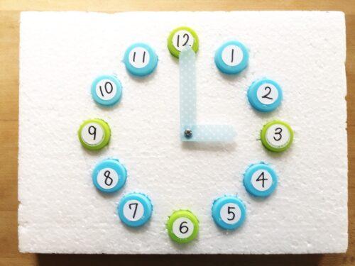 ペットボトルのキャップで作るおもちゃ時計